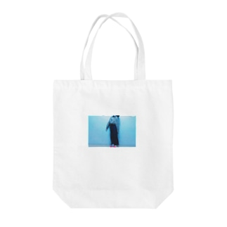 アンナチュラル Tote bags