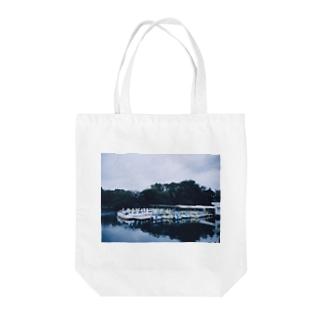 スワンボート Tote bags