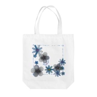 花*モノクロ♪ Tote bags