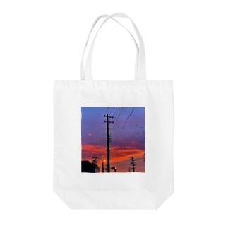 赤信号と夕焼け Tote bags