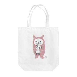 パンダをぎゅっ。(ピンク) Tote bags