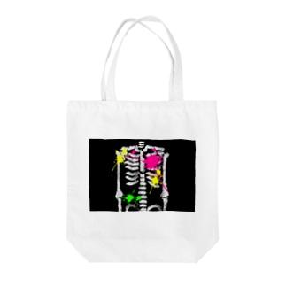 骨 Tote bags