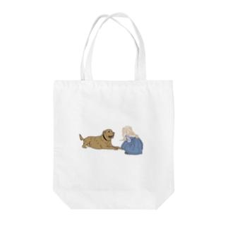 犬と少女 Tote bags