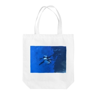 水族館のペンギン3 Tote bags