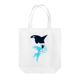 上中さとるのシャチ(波しぶき) Tote bags