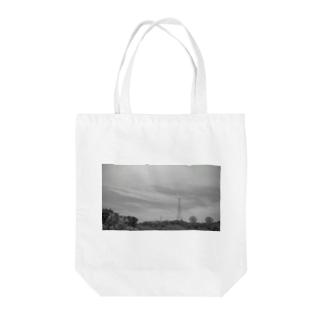鉄塔とパラボラアンテナ Tote bags