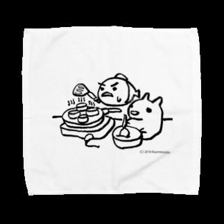 東南アジア食堂 マラッカ (カフェマラッカ)のパンケーキをつくる小梅うさぎと桃子さかな Towel handkerchiefs