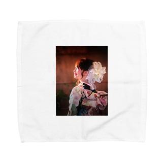 着物で振り返り成美 Towel handkerchiefs