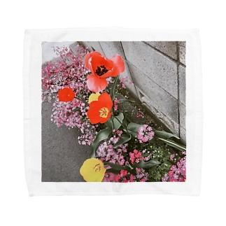mono黒フラワー Towel handkerchiefs