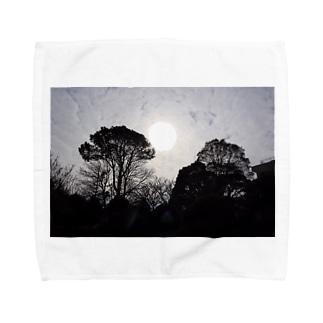 街にある公園でも大地を感じられた Towel handkerchiefs