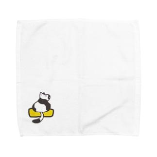 玉子焼きに乗ったネコ Towel handkerchiefs