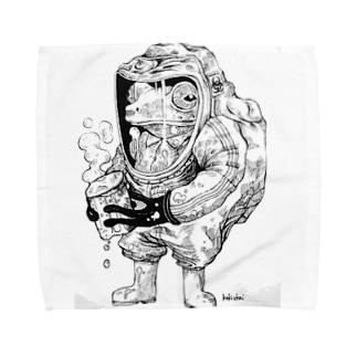 ちょー危険な物を持つカエル Towel handkerchiefs