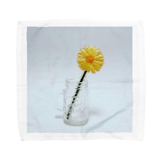 刺繍で作った黄色いお花 Towel handkerchiefs