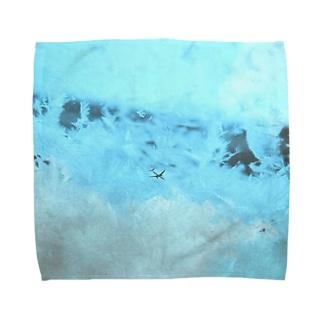 """""""ストームグラス航空402便"""" Towel handkerchiefs"""
