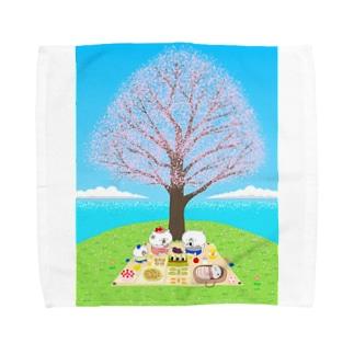 花見をする猫家族 Towel handkerchiefs