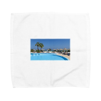 プールサイドで Towel handkerchiefs