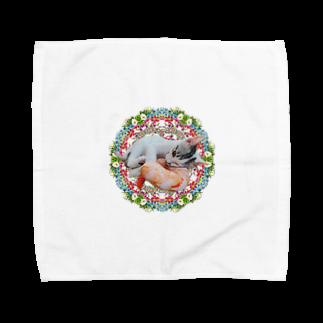 保護猫カフェ「駒猫」さん家のNo.4 イチゴちゃん♪ Towel handkerchiefs