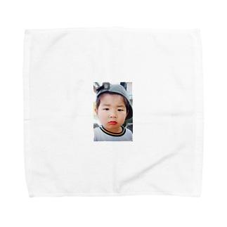 鼻水を垂れ流し憤る幼児T Towel handkerchiefs
