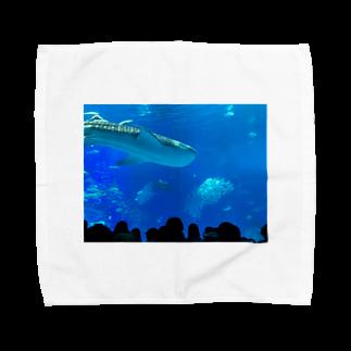 kknkakのジンベイザメの写真 Towel handkerchiefs