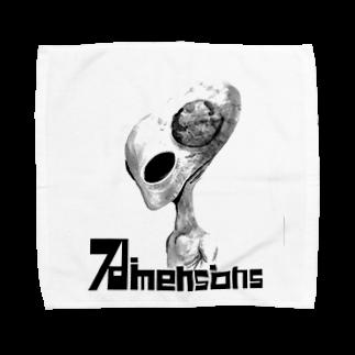 7dimensionsのmonochrome alien Towel handkerchiefs
