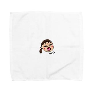 変な顔の娘 Towel handkerchiefs