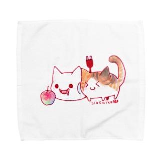 ねこさんと三毛猫とリンゴ Towel handkerchiefs