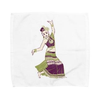 【タイの人々】伝統舞踊のダンサー Towel handkerchiefs