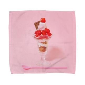 いちごパフェなアイテム Towel handkerchiefs