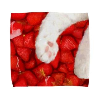 いちごのように甘い肉球 Towel handkerchiefs