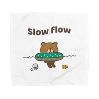 流れに身をゆだねるクマ Towel handkerchiefs