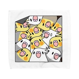 三密です!むちむちオカメインコさん【まめるりはことり】 Towel handkerchiefs