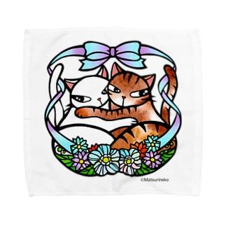 抱き合う猫♡ Towel handkerchiefs