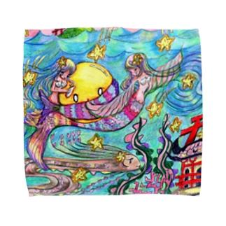 月が落ちてきた時の海中の人魚たち Towel handkerchiefs