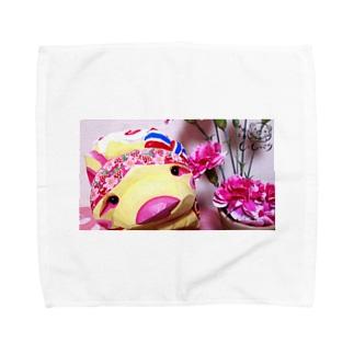 恋くま いちご Towel handkerchiefs