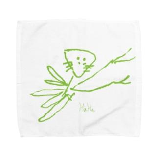 なんかちがうカマキリ Towel handkerchiefs