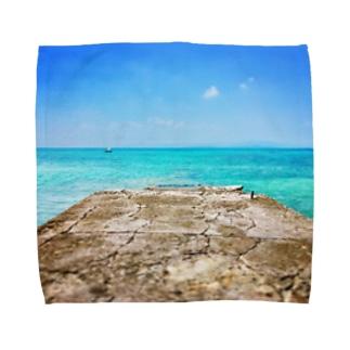 西桟橋とサバニ船 Towel handkerchiefs
