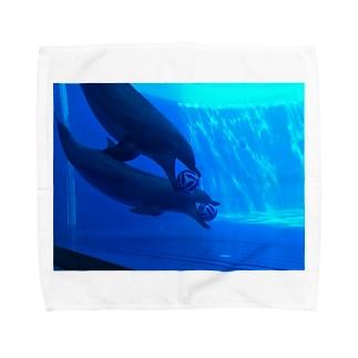 イルカはサッカーに夢中 Towel handkerchiefs