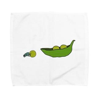 えんどう豆を運ぶフンコロガシ Towel handkerchiefs