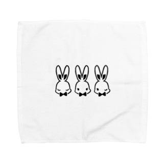 3匹のうさぎウェイター Towel handkerchiefs
