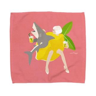 レモネードなサメ Towel handkerchiefs
