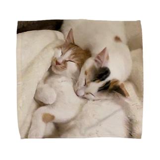 ニャーニャーとヤーヨの猫たちとねむる Towel handkerchiefs