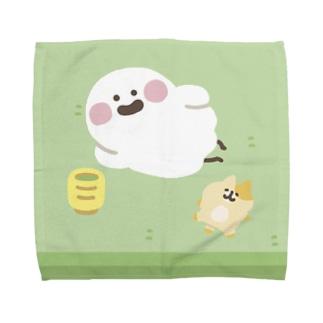 畳でくつろぐおばけとネコちゃん Towel handkerchiefs