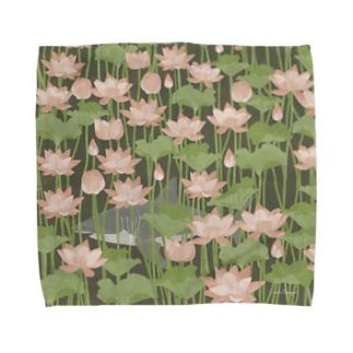 蓮を泳ぐ御池のサメさん Towel handkerchiefs