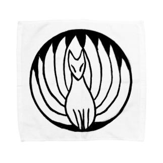九尾の狐 白黒 Towel handkerchiefs