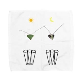 カマキリの昼と夜の複眼(絵文字、背景透過ver) Towel Handkerchief
