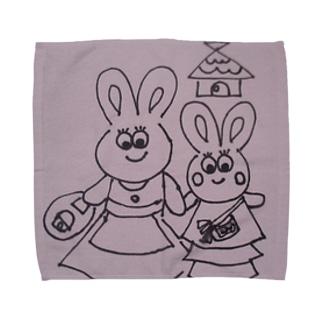 うさぎの親子のお出かけ Towel handkerchiefs