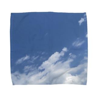 窓から見る6月の青空 Towel handkerchiefs