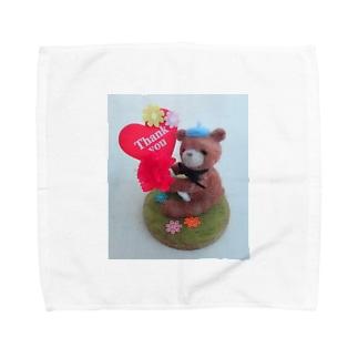 ペン立てクマちゃん(カーネーション) Towel handkerchiefs