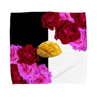 いただきマンゴー💛💖 Towel handkerchiefs