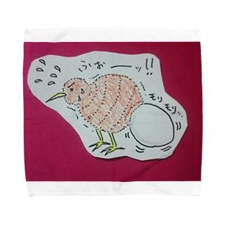 命懸けで産卵するキーウィ Towel handkerchiefs